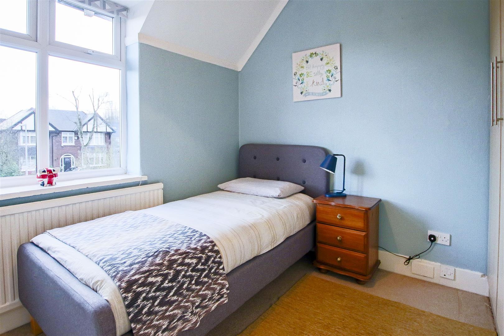 4 Bedroom Detached House For Sale - 38.jpg